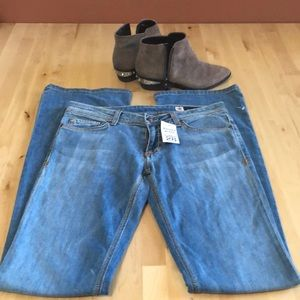 NWT People's Liberation Tanya Light Bootcut Jeans